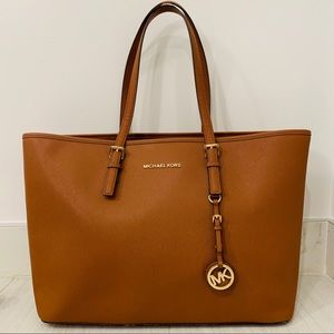 Michael Kors Saffiano Jet Set Travel Tote - Large